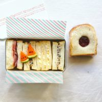 中学生のおべんとう スイカバーデコ付き昔ながらのサンドイッチべんとう