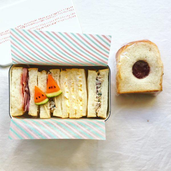 スイカバー付きサンドイッチ弁当